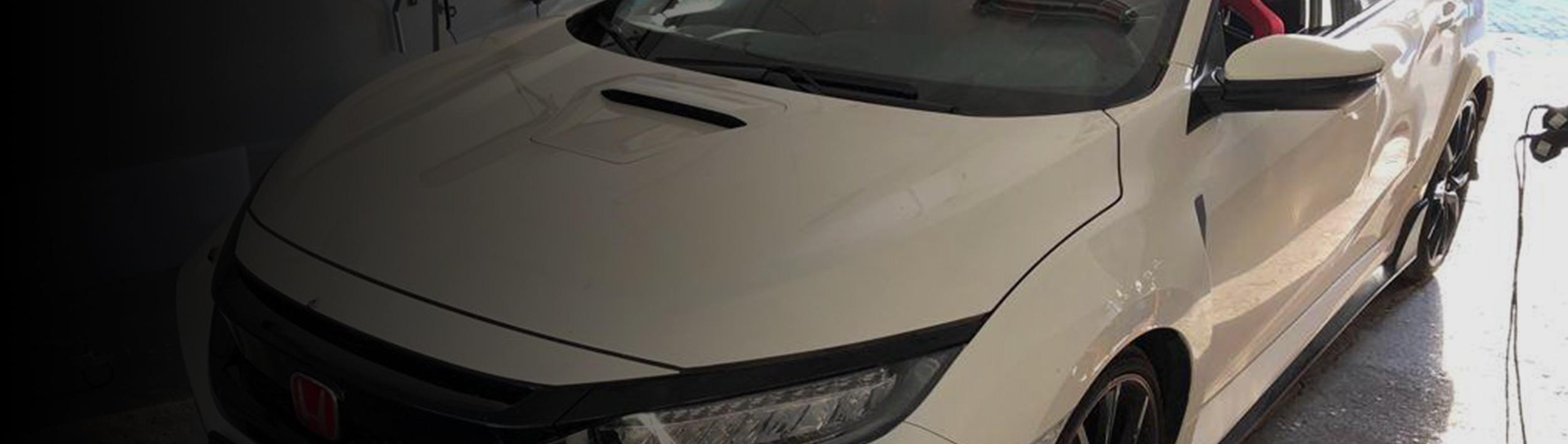Usuwanie wgnieceń z karoserii samochodu